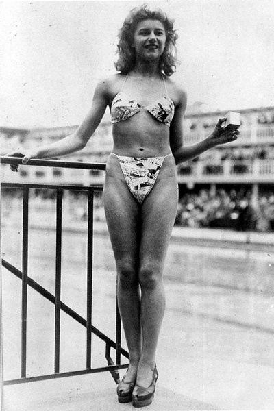 Bikini-1946-011st bikini